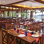 Dine with the beautiful view of Lake Taal & its Volcano.