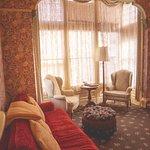 Lacy Suite Guestroom