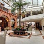 Clayton Crown Hotel Foto