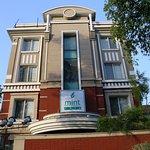 Hotel Mint Casa, Friends Colony, New Delhi