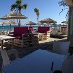 Φωτογραφία: Oceania Beach lounge and bar Lady's mile beach