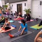 Montamos una clase de yoga en el Rooftop - éxito total :)