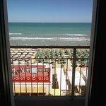 Photo de Hotel Beaurivage