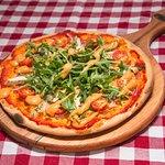 Tandoori Woodfired Chicken Pizza