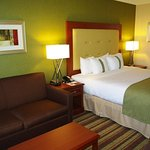 Comfortable Guestrooms