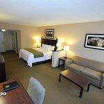 Photo of Comfort Inn & Suites Paramus