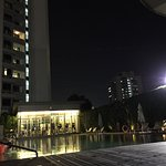 20 floor fully serviced apartments over Singapore river