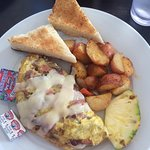 Maui meaty omelette