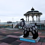 one of the Snowdogs that are raising money for the Martlets Hospice. This one on the seafront.