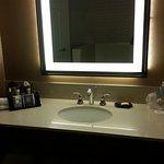 King corner suite-bathroom
