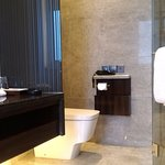 Photo of Wuhan Royal Suites & Towers Hotel