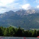 Man sieht auf Lienz u die Dolomiten