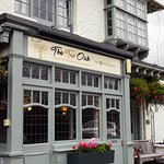 Recently relaunched as 'The Top Oak' after a beautiful refurbishment in Sept/Oct 2016