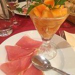 Melon au beaume de Venise et jambons de pays
