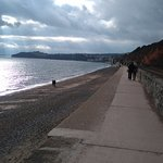 Walking the sea wall to Dawlish