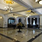 Photo of Queens Hotel
