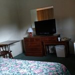 Pittsfield Motor Inn Picture