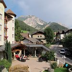 Sicht aus Zimmer Richtung Dolomiten