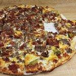 Bacon cheeseburger pizza