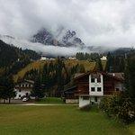 Отель и горы