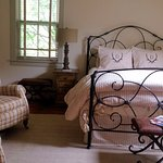 Charming rooms - all new everything. Nice renovation!