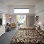 Rundle Mountain View Creekside Rooms