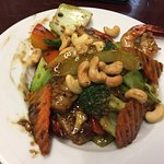 King prawn and cashews