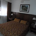 cama do casal bem confortável e apartamento bem grande para circular