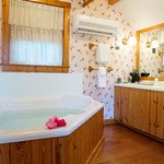 Sandaway's cottage suite has a soaking tub for 2