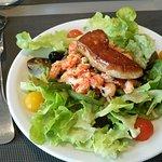 Salade d'écrevisses et son escalope de foie gras poèllée.