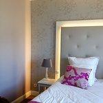 chambre personnes, bien conçue et décorée