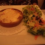 Entrée Tartiflette et sa salade.