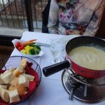 Cheese Fondue With Bread & Vegatables