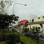 incomig monorail