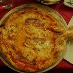 Pizza baby alla pancetta, tremosine e origano