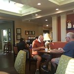 Morning sun in the breakfast area_large.jpg