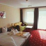Schönes, geräumiges Zimmer