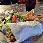 Deluxe Gyro meal (plenty to eat)