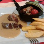 Steak 'deux façons du chef' with chips and pepper sauce