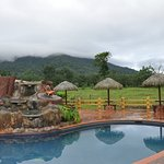 Pool and direction to Arenal