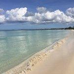 Foto de Tropical Breeze Villa