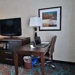 Hampton Inn by Hilton Winnipeg Airport/Polo Park Photo