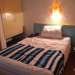 1 des 2 lits de la chambre
