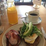 Fresh fresh fresh. A great combination of haloumi, rye bread and other delights. The juice was a