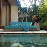 Poolside day bed (1 BRM Villa)