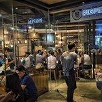 Foto Pigpen Cafe, Restaurant & Bar