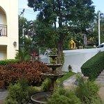 Photo de Kham Thana Hotel