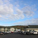 Ponderosa Motel Grounds