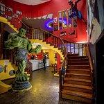 Entrada, Hulk de 3,5 mets y spiderman