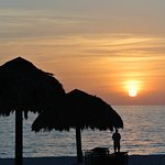 Cair da tarde na piscina/praia do hotel